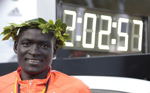 Dennis Kimetto finishing his WR marathon